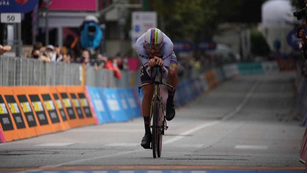 Giro d'Italia 2020 – Filippo Ganna vence etapa 14